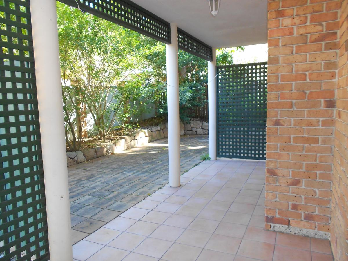 4 / 58 Maryvale Street, Toowong