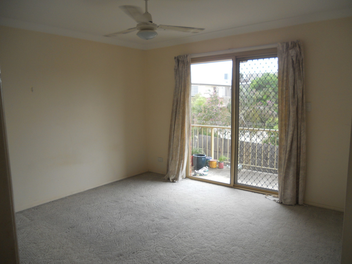 1 / 20 Green Street, Booval