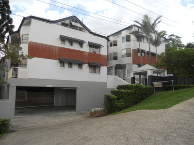 6 / 15 Clarence Road, Indooroopilly