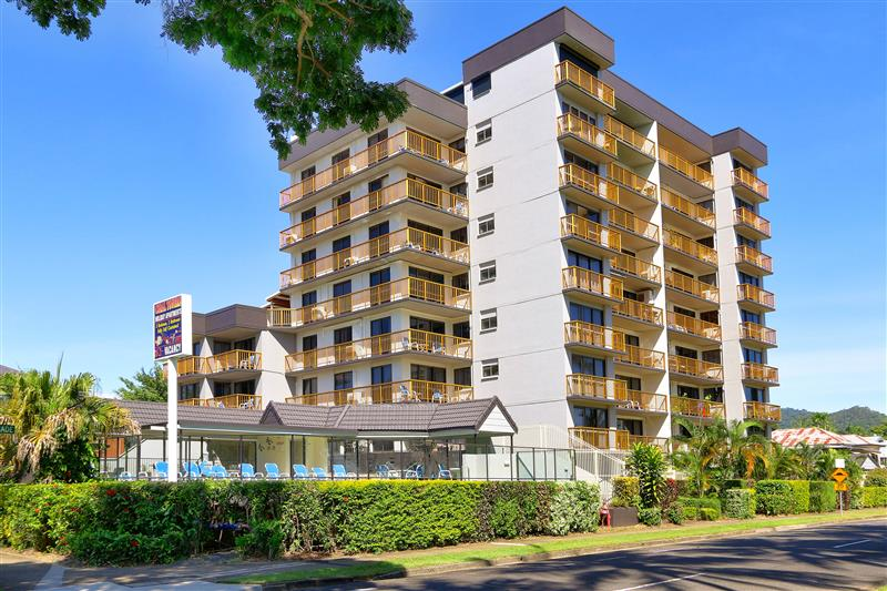 18/249 Esplanade, Cairns North