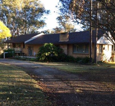 184 Saunders Road, Oakville