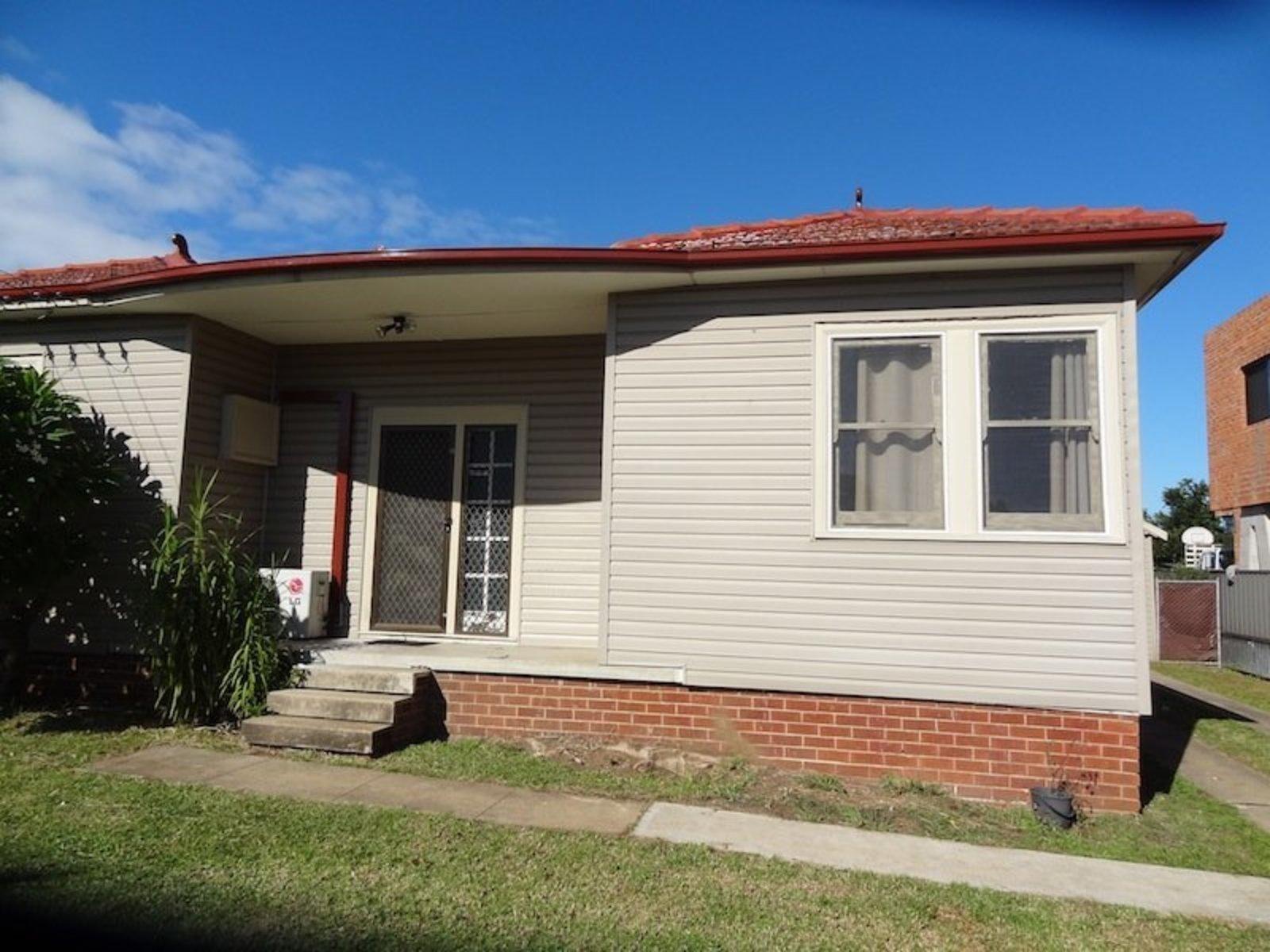 6 Edensor Road, Cabramatta West