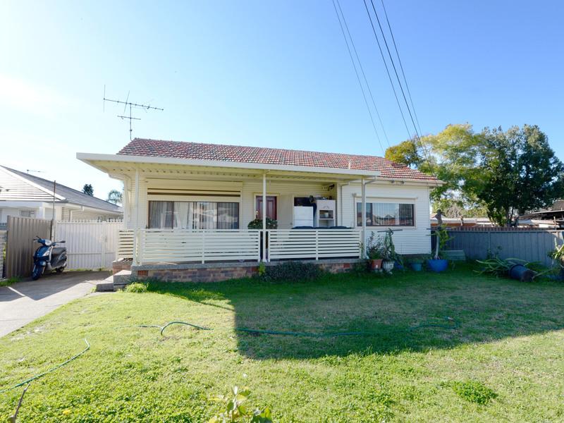 4 Spooner Avenue, Cabramatta West
