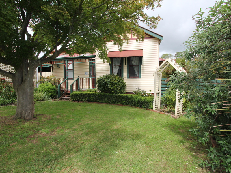 11 Gordon Street, Korumburra