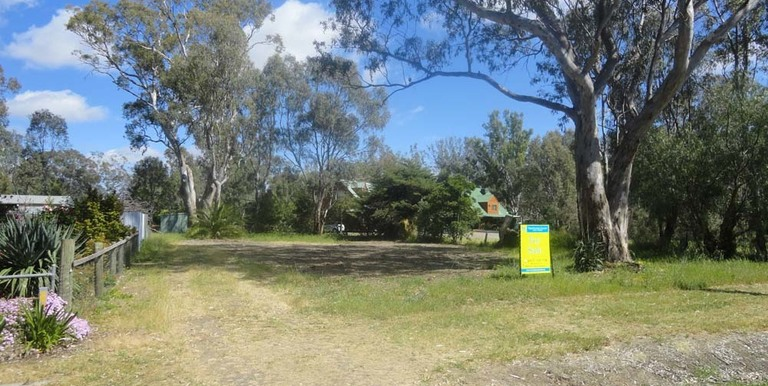 17a Lily Street , Violet Town