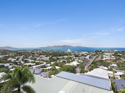 17 Hillside Crescent, Townsville City