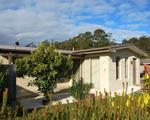 1 / 4 Victory Avenue, Foster