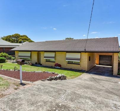11 Hutchesson Street, Millicent