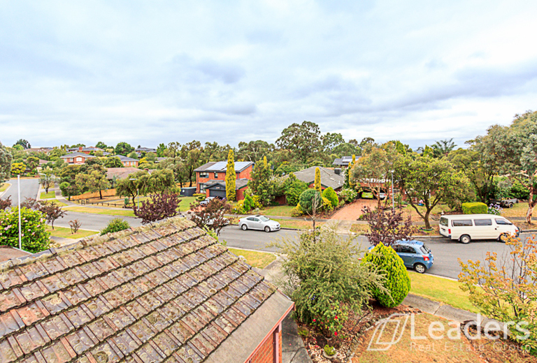 11 Pentland Court, Glen Waverley