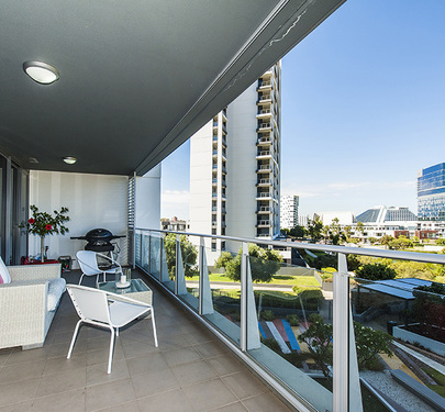 402 / 96 Bow River , Burswood