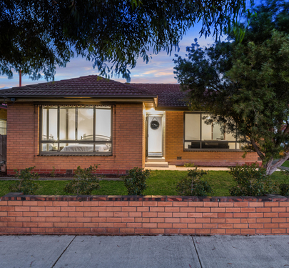 61 Boundary Rd, Newcomb