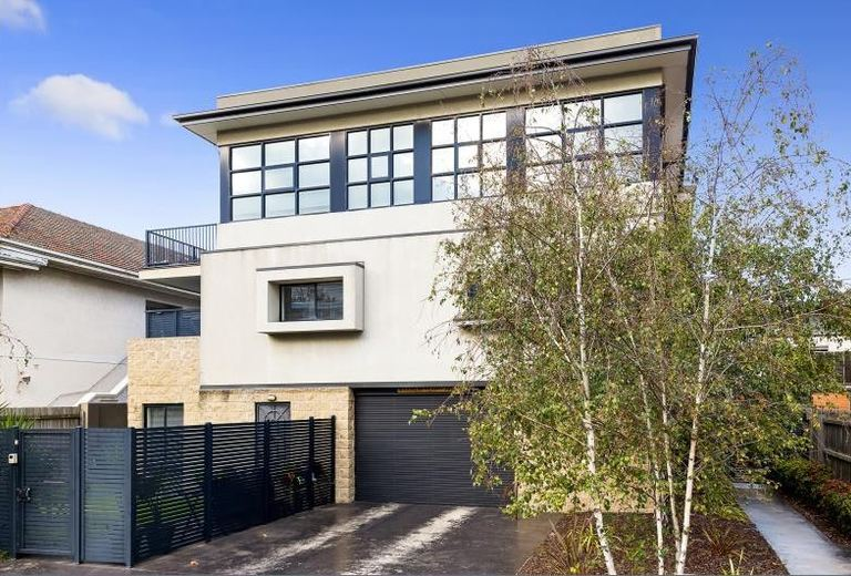 2 / 370 Orrong Road, Caulfield N...