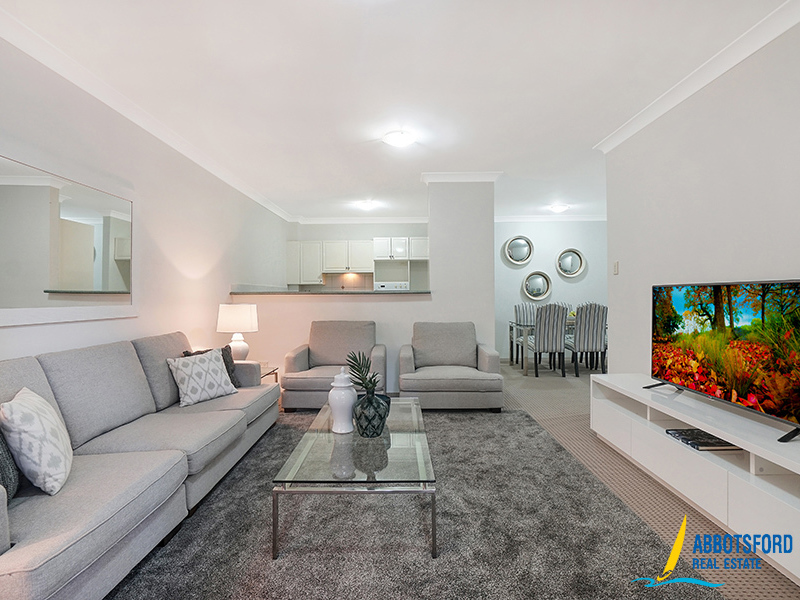 3 / 5 Figtree Avenue, Abbotsford