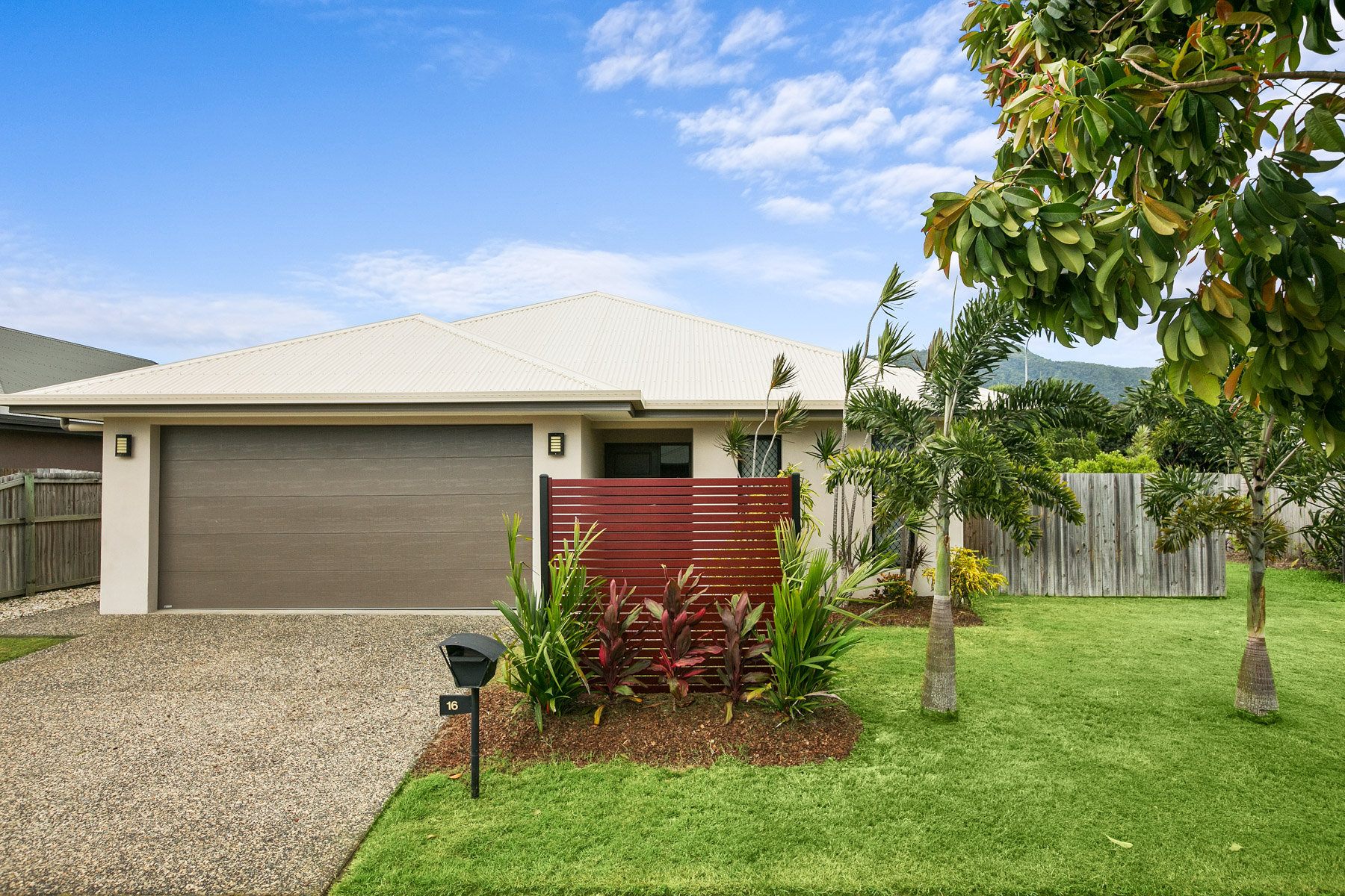 16 Fossilbrook Bend, Trinity Park