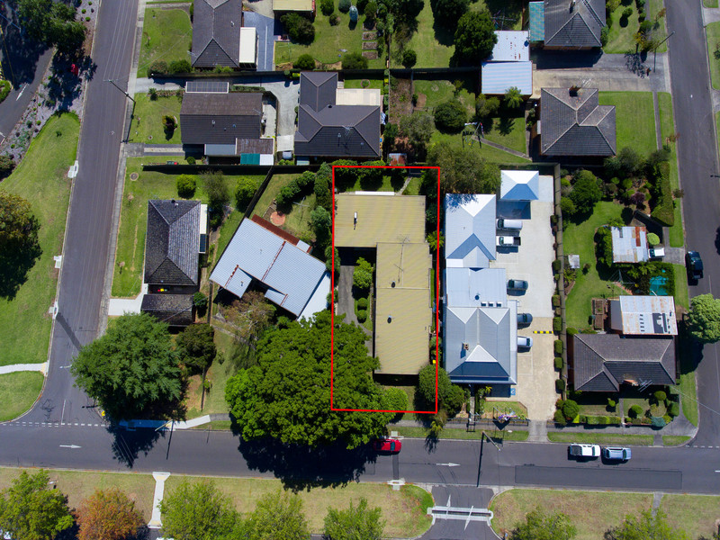 1, 2 & 3 / 27 Young Street, Drouin