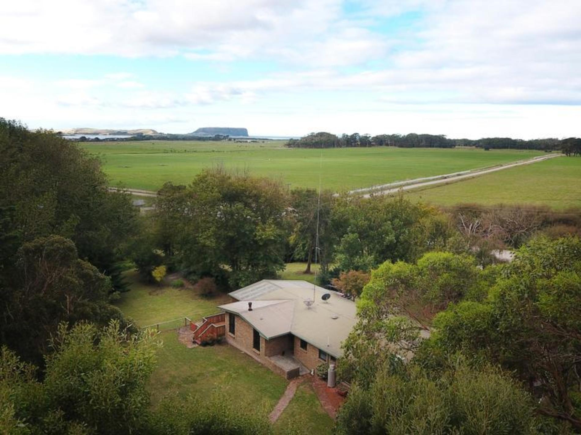 80 Sleepy Hollow Road, Forest