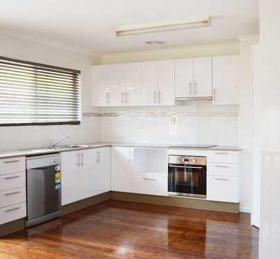 35 Hibiscus Avenue, Redcliffe