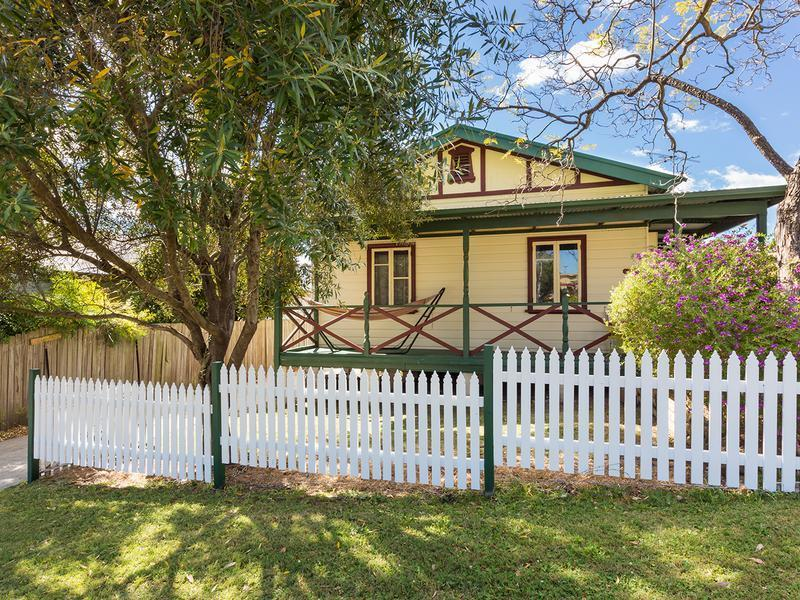 9 The Valley Road, Valley Heights
