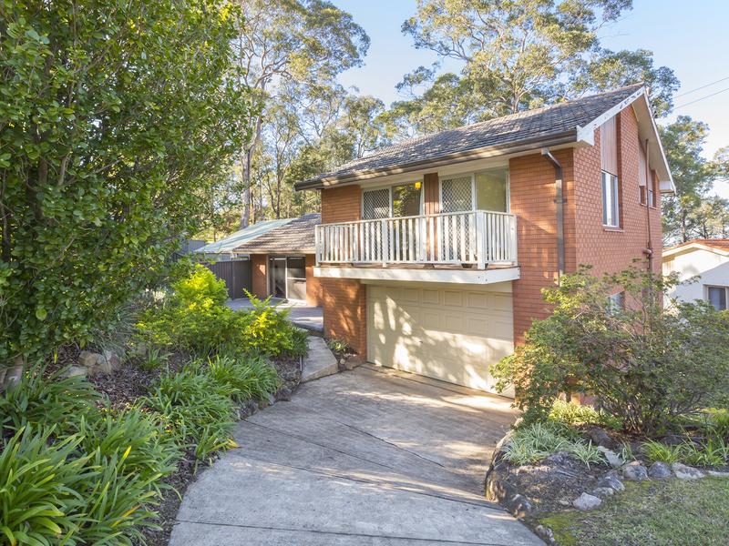 18 Sunny Ridge Road, Winmalee