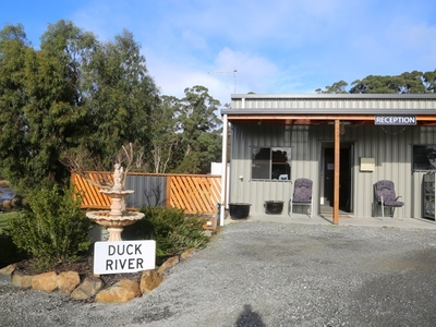 River Breeze Caravan & Cabin Park
