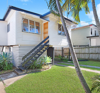 143 Scarborough Road, Redcliffe