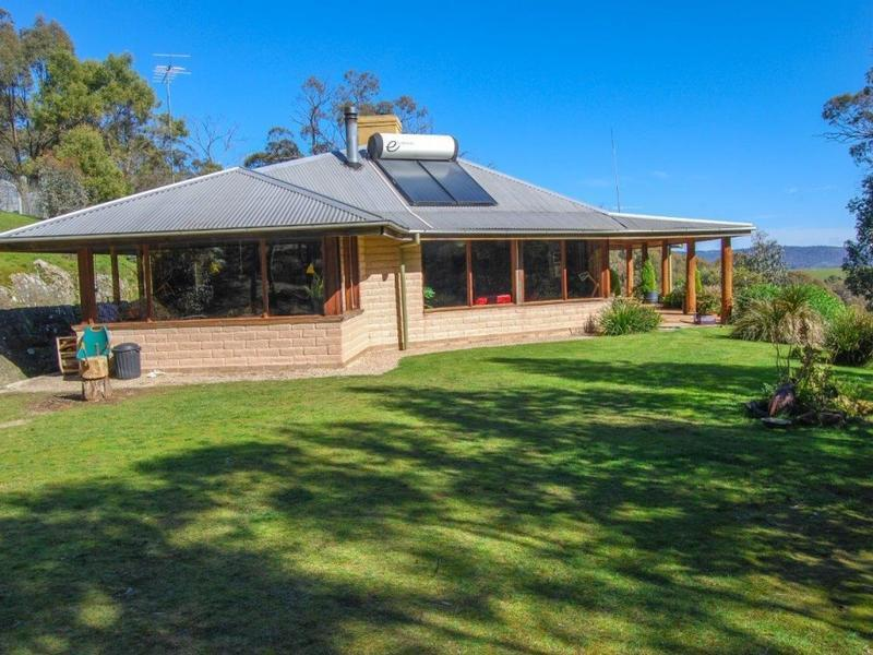 38 MACKLIN ROAD, MERTON VIA, Mansfield