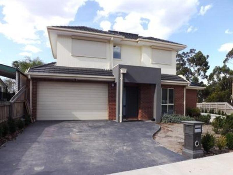 1/4 Staples Court, Hadfield