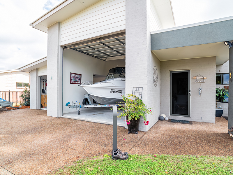6 COCKLE COURT, Burrum Heads