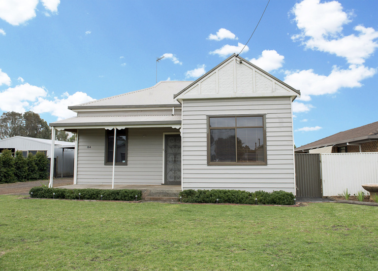 84 Scott Street, Heywood