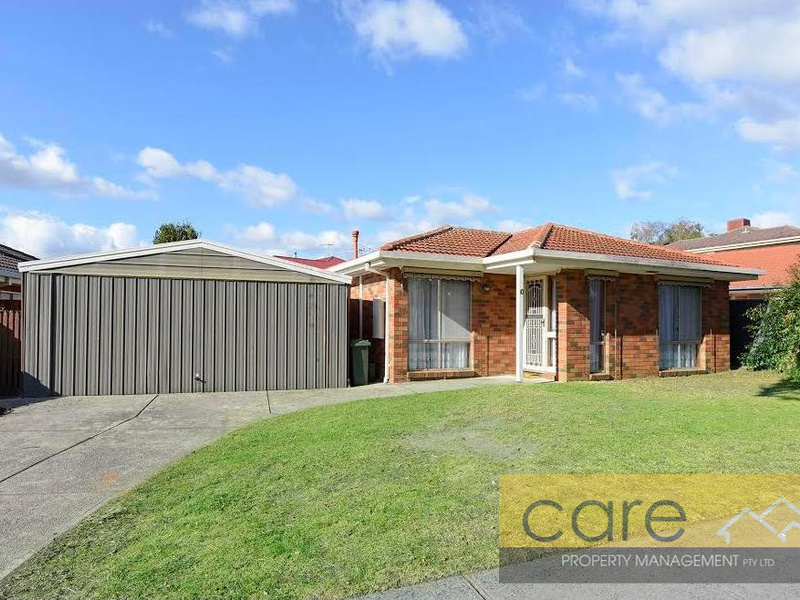 10 Rowellyn Ave, Carrum Downs