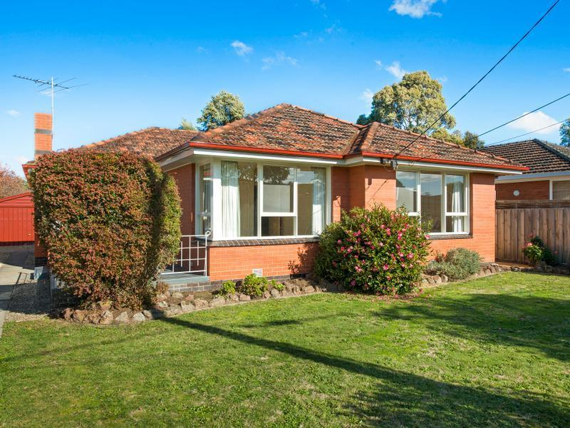 18 Worthing Avenue, Burwood East