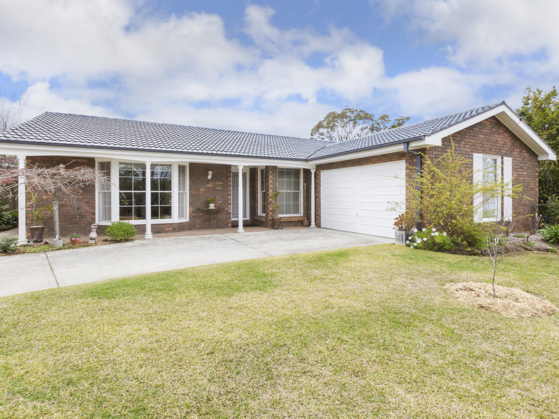 17 Huntley Grange Road, Springwood