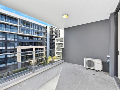 602 / 1 Half Street, Wentworth Point