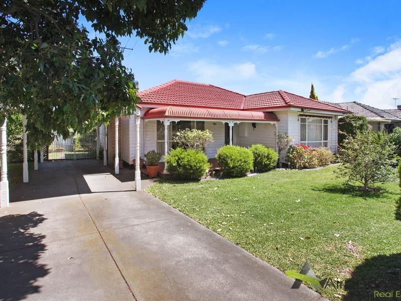 71 Roberts Road, Airport West