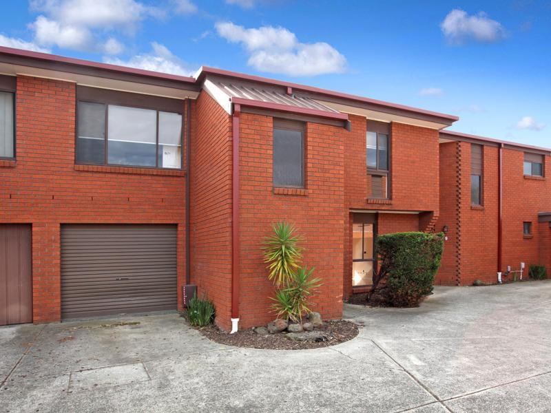 8 / 76-80 Parer Road, Airport West