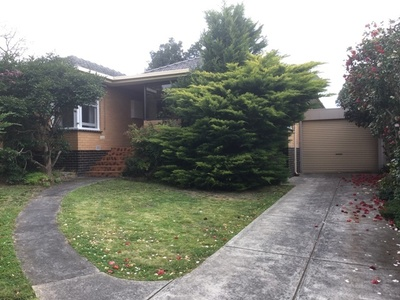 28 Village Avenue, Doncaster