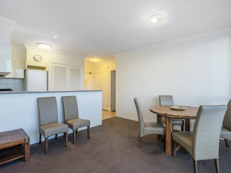 402 / 9-21 Beach Parade, Surfers Paradise