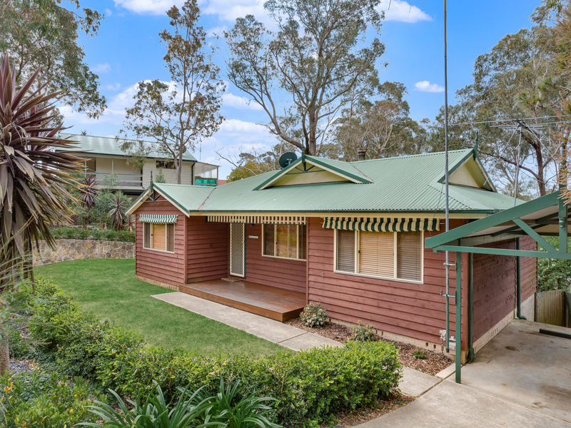 4 Claines Crescent, Wentworth Falls