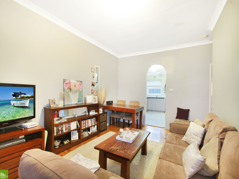 2 / 3 Buckle Cres, West Wollongong