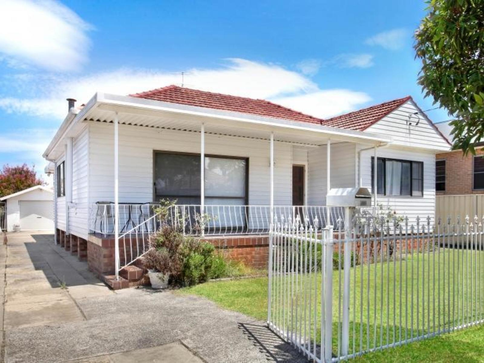 15 Smith St, Fairy Meadow