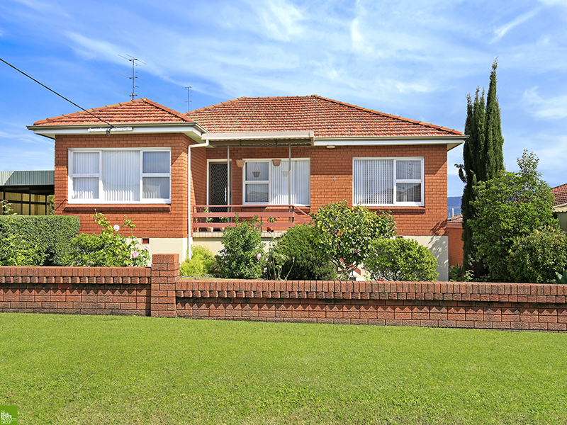4 Hilltop Avenue, Lake Heights