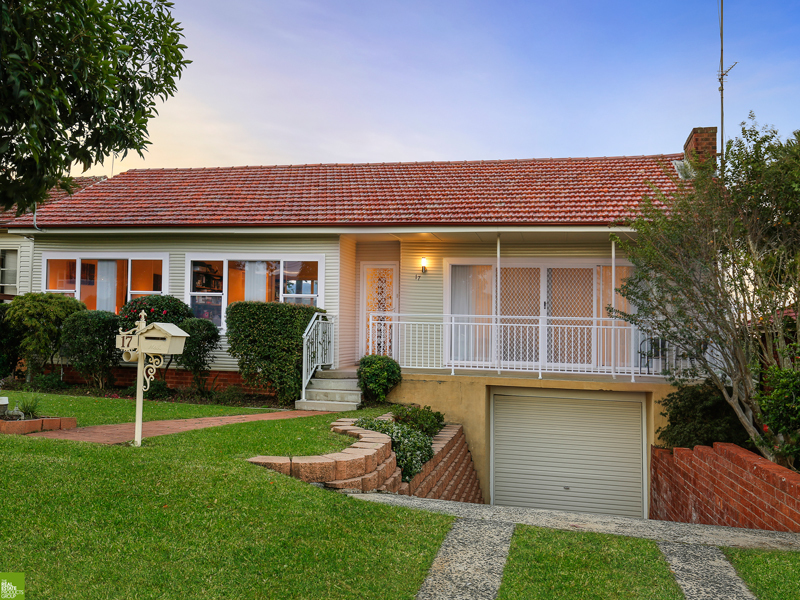 17 Yellagong Street, West Wollongong