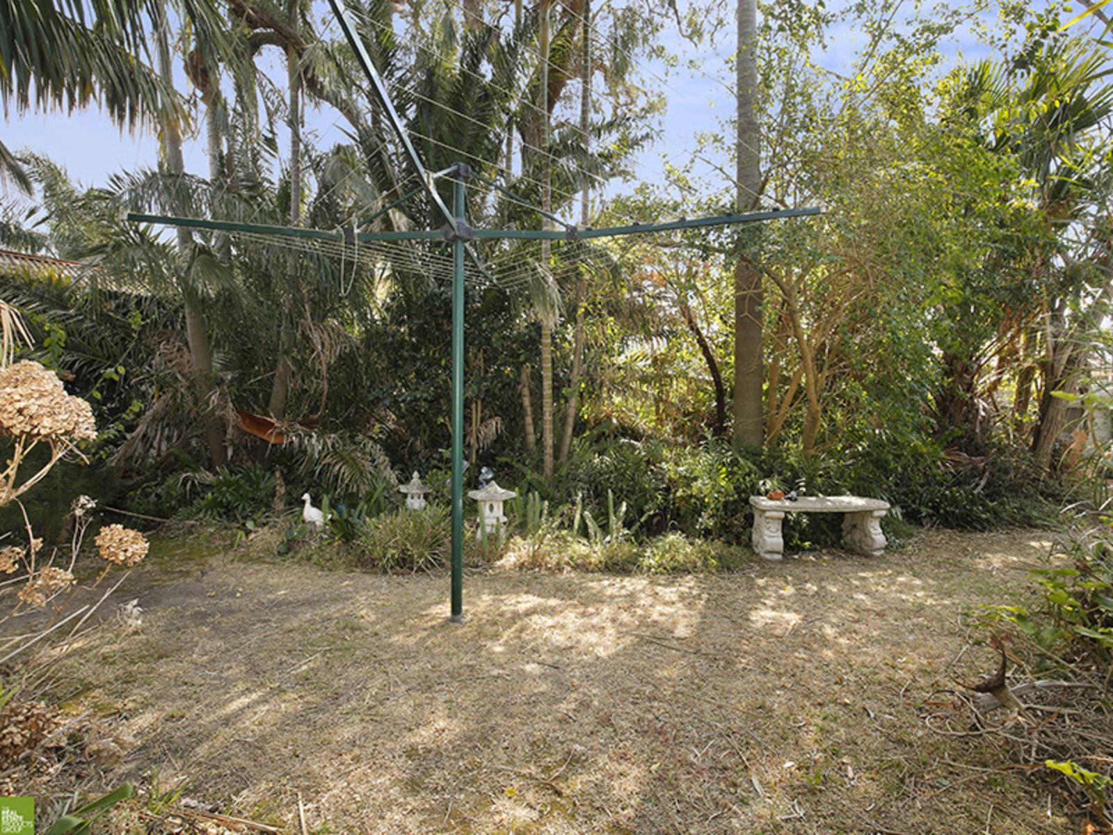 9 Ellengowan Cres, Fairy Meadow