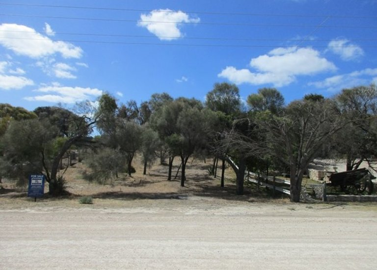 15 Ti-Tree Road, The Pines