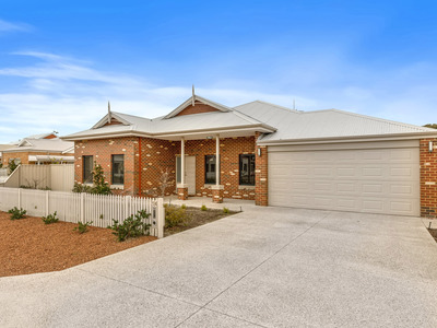 14 Tauman Loop, Guildford