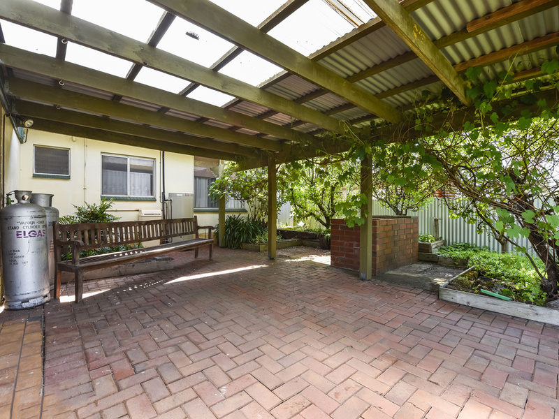 18 English Drive, Millicent