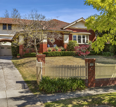 82 Napier Crescent, Essendon