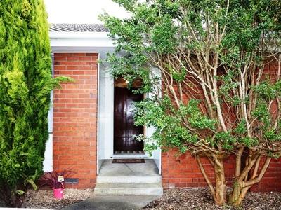 6 Lialeeta Crescent, Smithton