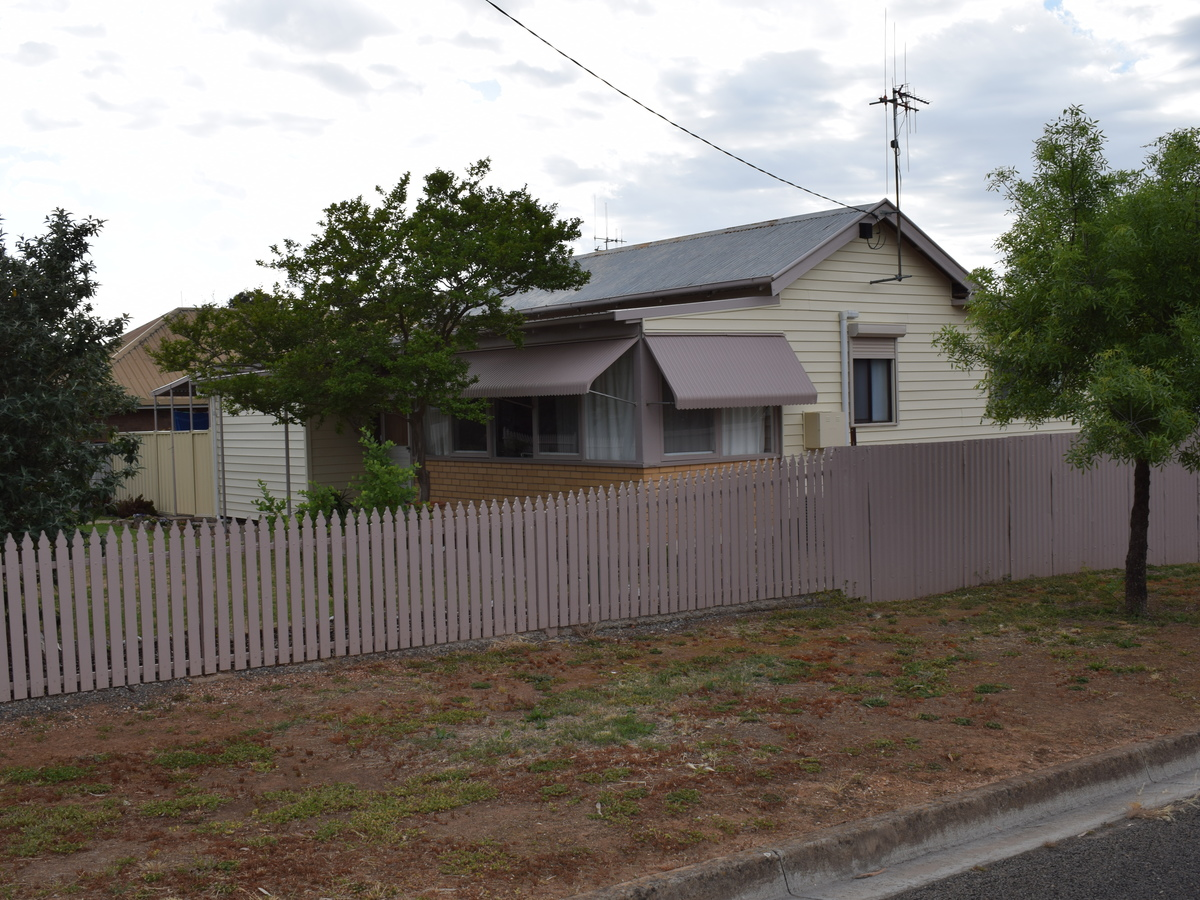 25 HOUSTON STREET, Inglewood