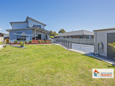 8 Sandy Crescent, Wynyard